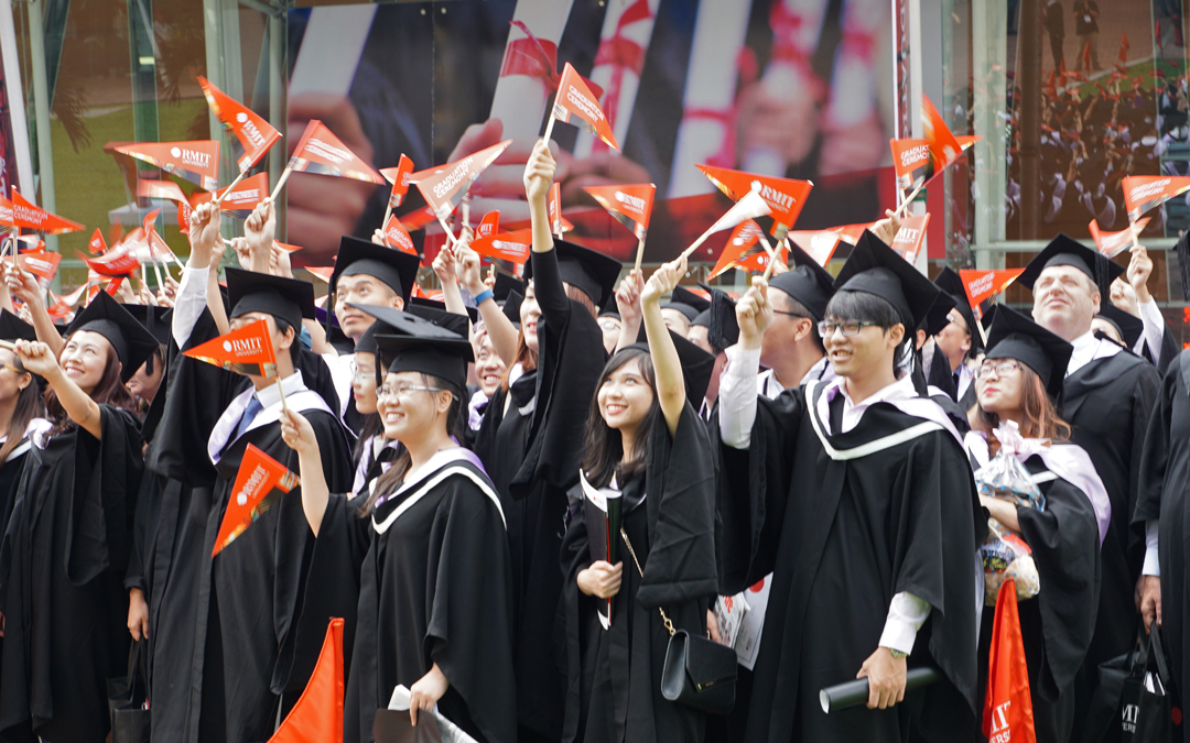 The-Columnist-Issue-32-RMIT-Vietnam-graduates